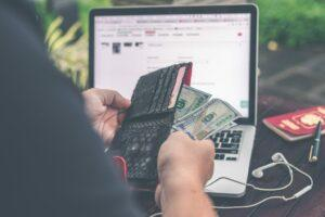 freelancer-with-wallet-and-dollars